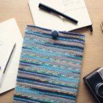 Вязание крючком чехла для iPad из пряжи Self-Striping